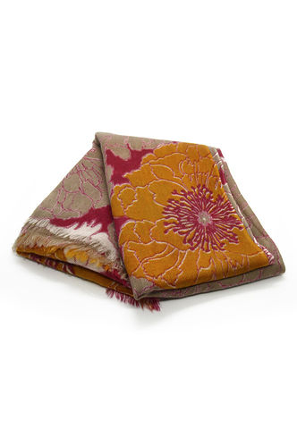 Pure wool stole with floral pattern